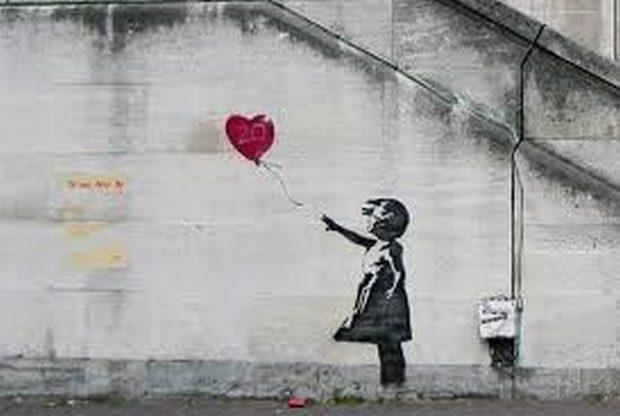 Graffiti (Banksy), ποίηση και Πολυτεχνείο